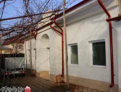 Ofer spre vanzare casa deosebita in zona centrala, pe Strada Mihai Bravu, 75.000 euro.