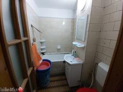 Vand Ap. 3 camere,cf 1D,Calarasilor zona Gospodina,et.3